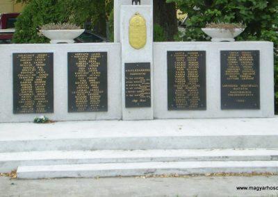 Nagyszakácsi II.vh emlékmű 2009.07.31.küldő-SOLEN (3)