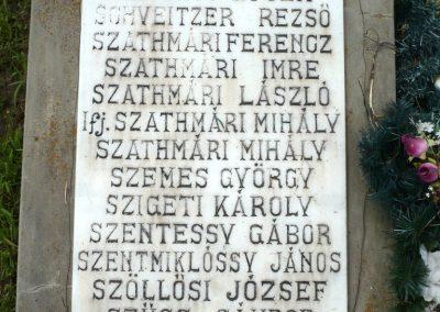 Nagyszalonta világháborús hősök emlékművei és síremlékei a temetőben 2013.06.29. küldő-Sümec (15)