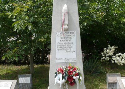 Nagyszalonta világháborús hősök emlékművei és síremlékei a temetőben 2013.06.29. küldő-Sümec (19)
