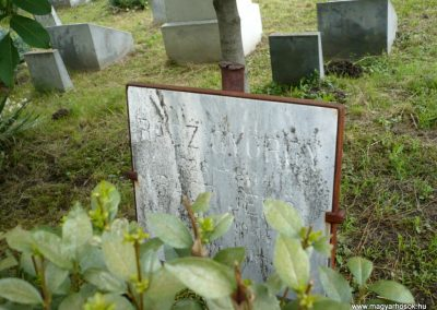 Nagyszalonta világháborús hősök emlékművei és síremlékei a temetőben 2013.06.29. küldő-Sümec (26)