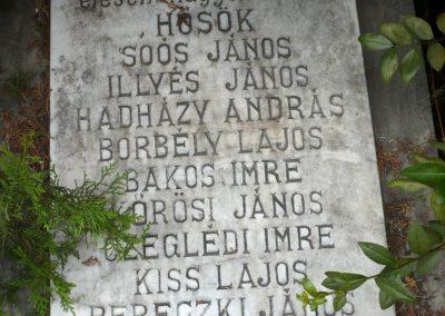 Nagyszalonta világháborús hősök emlékművei és síremlékei a temetőben 2013.06.29. küldő-Sümec (37)