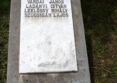 Nagyszalonta világháborús hősök emlékművei és síremlékei a temetőben 2013.06.29. küldő-Sümec (7)