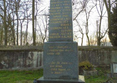 Nagyszarva világháborús emlékmű 2014.12.21. küldő-Méri (1)