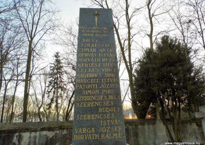 Nagyszarva világháborús emlékmű 2014.12.21. küldő-Méri (2)