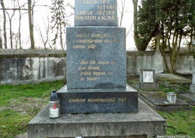 Nagyszarva világháborús emlékmű 2014.12.21. küldő-Méri (3)