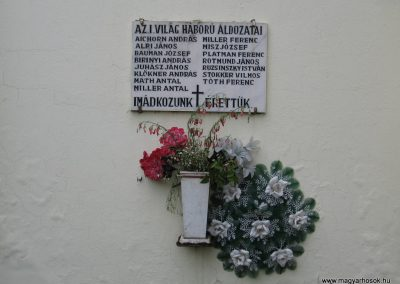 Nagytálya templom falán világháborús emléktáblák 2007.06.13. küldő-Kályhás (1)