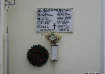 Nagytálya templom falán világháborús emléktáblák 2007.06.13. küldő-Kályhás (2)