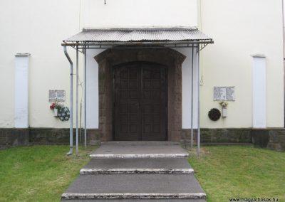 Nagytálya templom falán világháborús emléktáblák 2007.06.13. küldő-kalyhas
