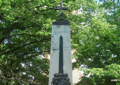 Nagytarcsa világháborús emlékmű 2008.05.10. küldő-Huszár Peti (1)