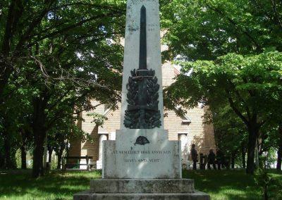 Nagytarcsa világháborús emlékmű 2008.05.10. küldő-Huszár Peti