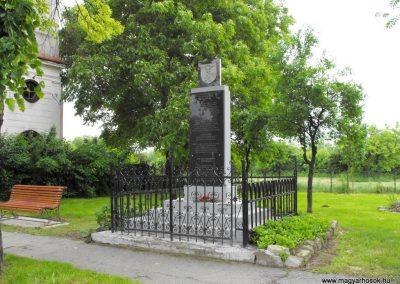Nagyváty világháborús emlékmű 2010.05.22. küldő-KRySZ (5)