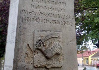 Nagyvázsony hősi emlékmű 2010.08.07. küldő-Horváth Zsolt (5)