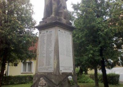 Nagyvázsony hősi emlékmű 2010.08.07. küldő-Horváth Zsolt (6)
