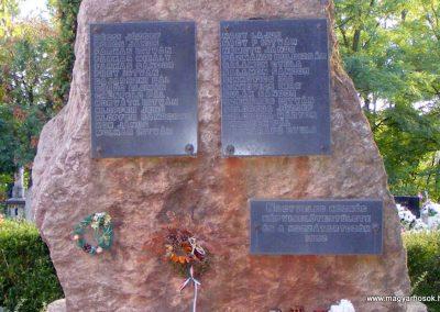 Nagyveleg II. világháborús emlékmű 2012.09.08. küldő-Méri (2)