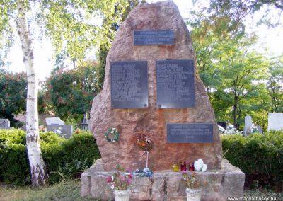Nagyveleg, II. világháborús emlékmű.