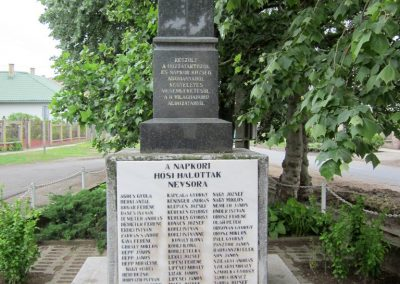 Napkor világháborús emlékmű 2013.05.23. küldő-kalyhas (1)