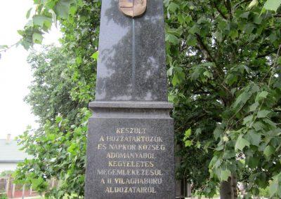 Napkor világháborús emlékmű 2013.05.23. küldő-kalyhas (2)