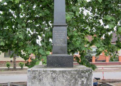 Napkor világháborús emlékmű 2013.05.23. küldő-kalyhas (4)