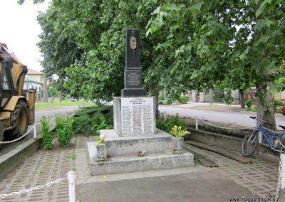 Napkor világháborús emlékmű 2013.05.23. küldő-kalyhas
