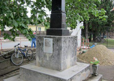 Napkor világháborús emlékmű 2013.05.23. küldő-kalyhas (6)