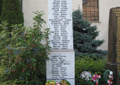 Naszály világháborús emlékmű 2008.07.02. küldő-Kályhás (2)