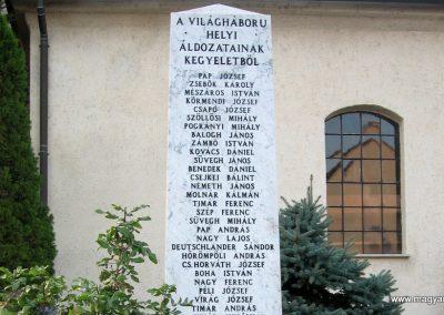 Naszály világháborús emlékmű 2008.07.02. küldő-Kályhás (3)
