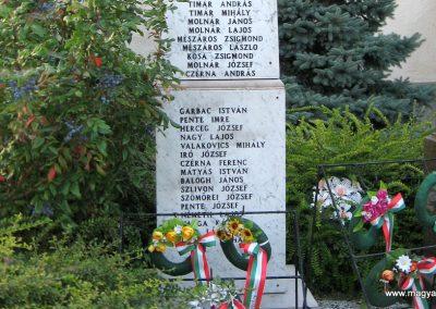 Naszály világháborús emlékmű 2008.07.02. küldő-Kályhás (4)