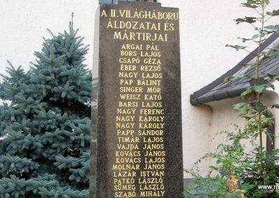 Naszály világháborús emlékmű 2008.07.02. küldő-Kályhás (6)