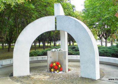 Nemesócsa II. világháborús emlékmű 2014.06.18. küldő-Méri (4)