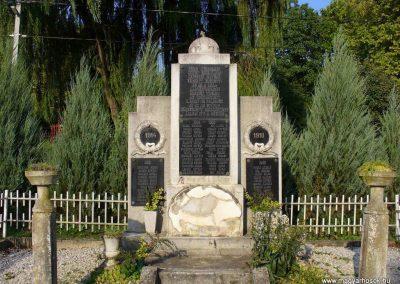 Nemesapáti világháborús emlékmű 2007.08.15. küldő-Hunmi (1)