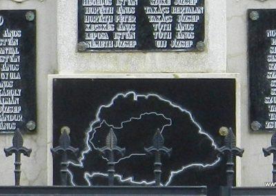 Nemesapáti világháborús emlékmű 2017.10.08. küldő-Huber Csabáné (3)