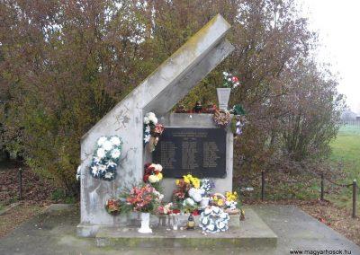 Nemesbikk II.vh emlékmű 2007.11.20. küldő-Kályhás