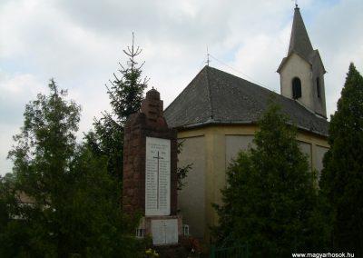 Nemeshany világháborús emlékmű 2008.05.04.küldő-Magyar Benigna