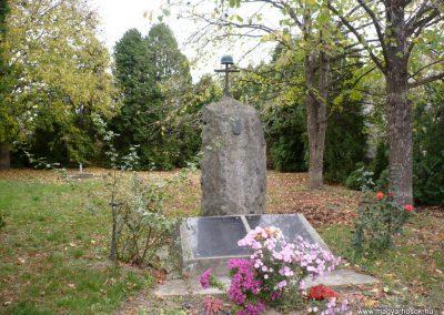 Nemeshetés világháborús emlékmű 2013.10.30. küldő-Sümec (1)