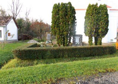 Nemeskisfalud I. és II. világháborús emlékmű 2014. 10.25. küldő-kalyhas (1)