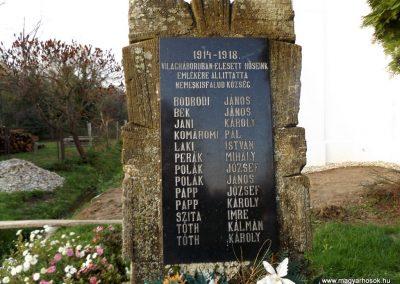 Nemeskisfalud I. és II. világháborús emlékmű 2014. 10.25. küldő-kalyhas (3)