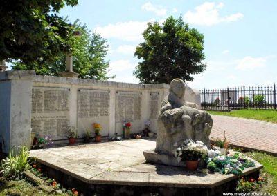 Nemesnádudvar világháborús emlékmű 2014.07.13. küldő-Méri (8)