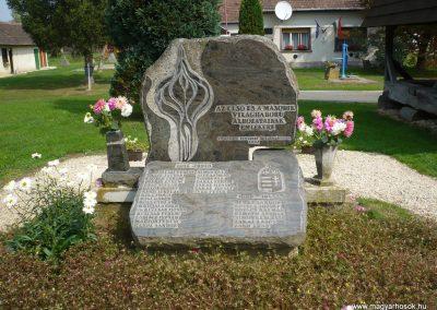 Nemesnép világháborús emlékmű 2009.09.16. küldő-Sümec (1)