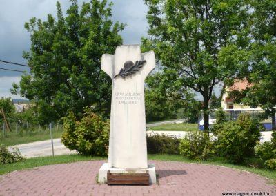 Nemesvámos II.vh emlékmű 2010.05.30. küldő-Sümec (1)
