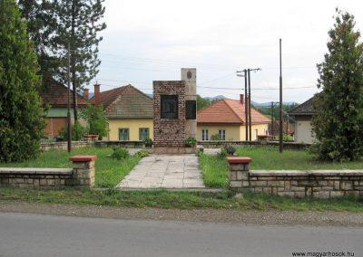 Nemti világháborús emlékmű 2008.07.15. küldő-Kályhás