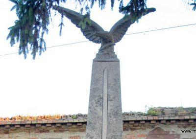 Neszmély I.vh emlékmű 2008.07.05. küldő-Kályhás (1)