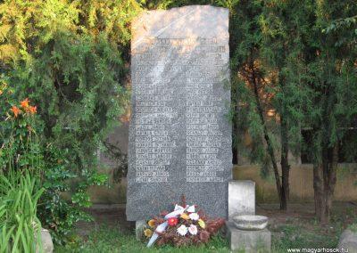 Neszmély II.vh emlékmű 2008.07.05. küldő-Kályhás (1)