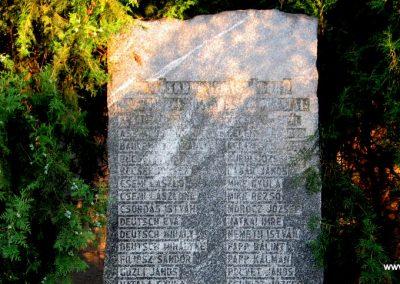 Neszmély II.vh emlékmű 2008.07.05. küldő-Kályhás (2)