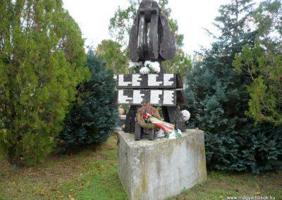 Noszlop világháborús emlékmű 2013.10.18. küldő-Sümec (1)