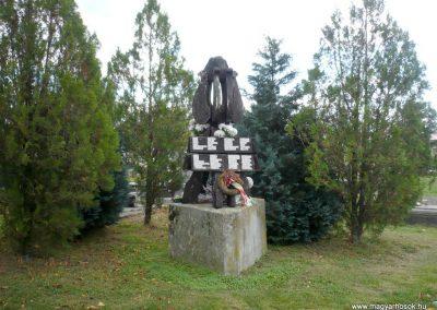 Noszlop világháborús emlékmű 2013.10.18. küldő-Sümec