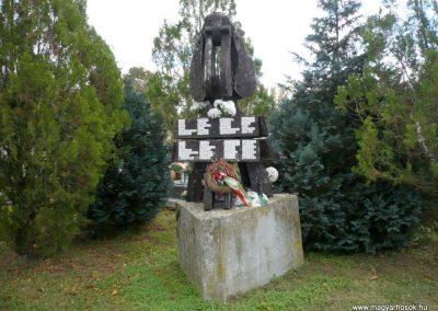 Noszlop világháborús emlékmű 2013.10.18. küldő-Sümec (7)