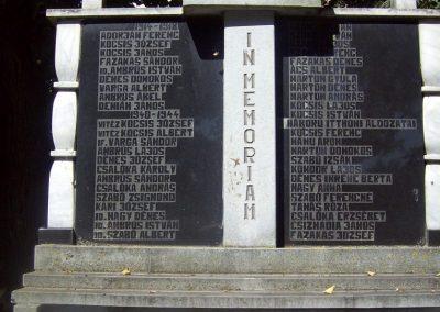 Nyárádszentmárton világháborús emlékmű 2011.08.14. küldő-Csiszár Lehel (1)