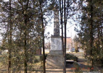 Nyáregyháza világháborús emlékmű 2015.02.19. küldő-kalyhas (11)