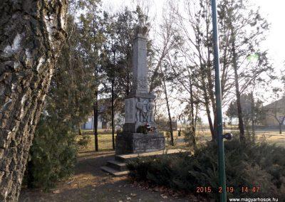 Nyáregyháza világháborús emlékmű 2015.02.19. küldő-kalyhas (14)
