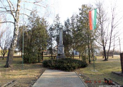 Nyáregyháza világháborús emlékmű 2015.02.19. küldő-kalyhas (15)